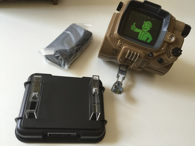 23 - Fallout 4 PipBoy