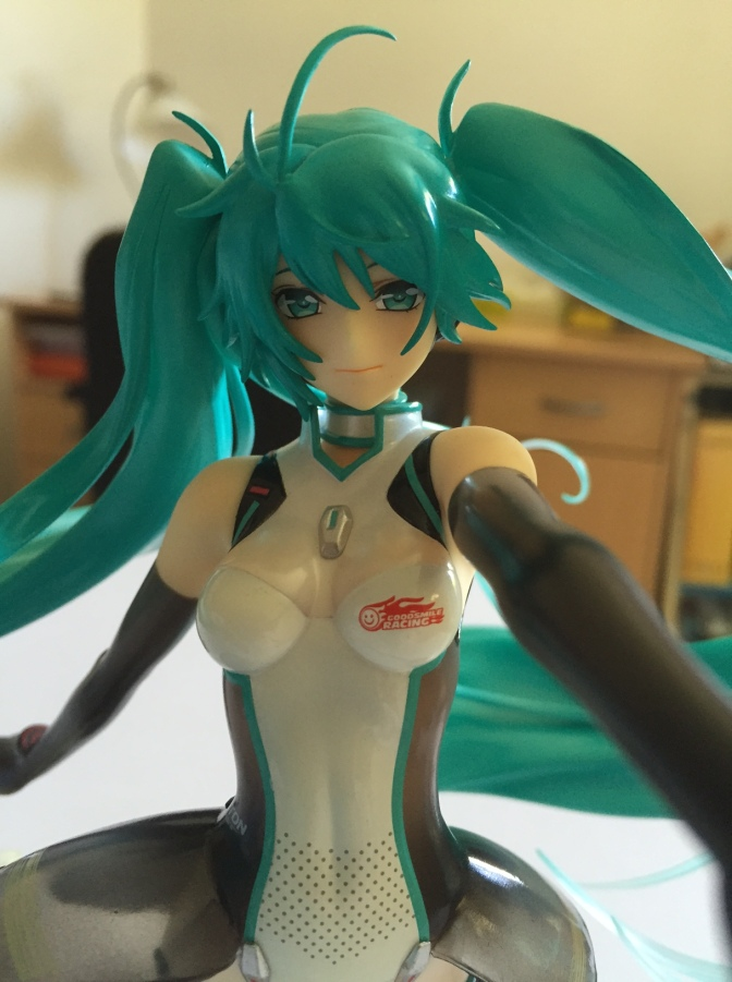 13 - Unboxing 1 - Racing Miku 2011